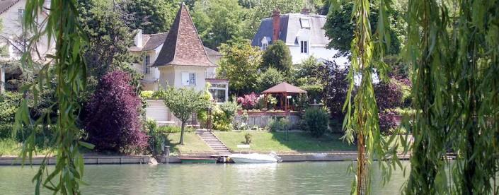 Bateau-Péniche-Bords de Marne-Saule Pleureur