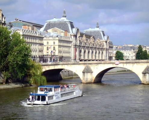 Pont de Paris-Pont royal-Bateau-Musée d'Orsay-Péniche