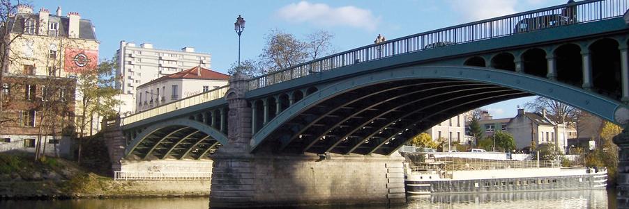 Péniche-Bateau-Passerelle-Pont-Canal Saint-Denis